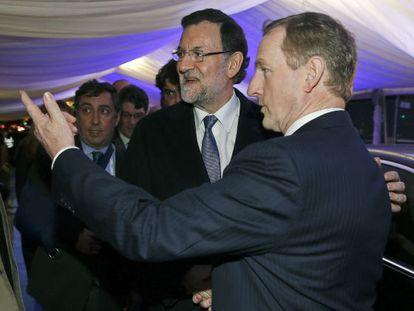 Mariano Rajoy saluda al primer ministro de Irlanda, Enda Kenny.
