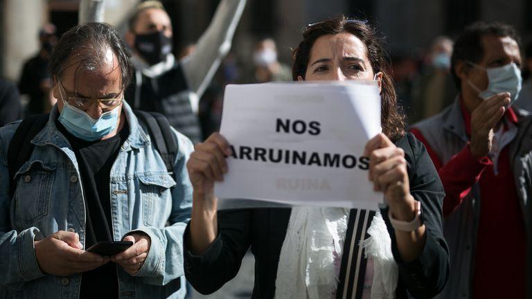 Protesta de los restauradores por el cierre de los locales decretado por el Goven
