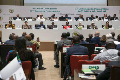 Varios políticos atienden una sesión durante la última cumbre de la Unión Africana, celebrada el domingo 16 de julio en Kigali.