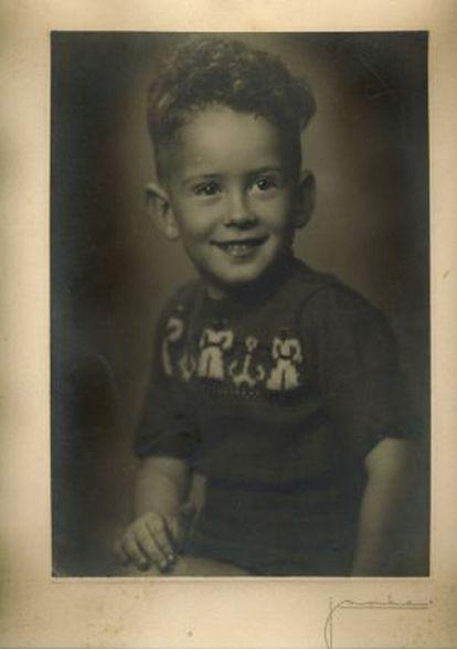 José Manuel Blecua, director de la Real Academia de la Lengua, en una imagen de su infancia.