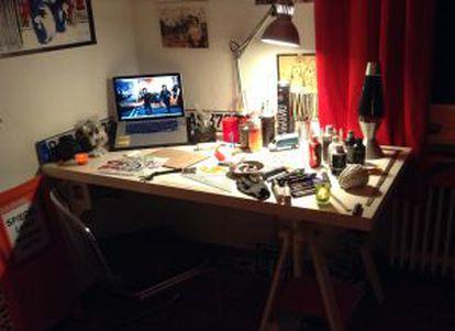El escritorio de Pelele, en su habitación en la capital alemana.