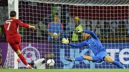 Cristiano marca su segundo gol.