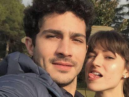 'Selfie' de Chino Darín y Úrsula Corberó publicado en la cuenta de Instagram del actor. La pareja lleva junta desde 2015, cuando se conocieron en el rodaje de la serie 'La embajada'.