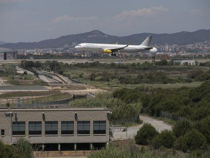 Aterrizaje de un avión en El Prat.