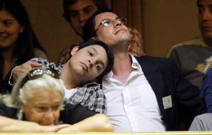 Una pareja de uruguayos, en la Cámara de Diputados.