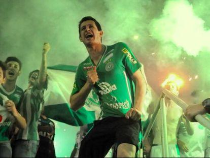 Fotograma de 'Por siempre Chape'.