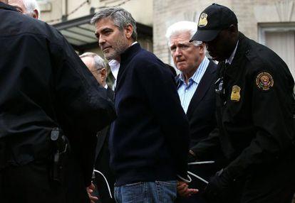 George Clooney, arrestado por la policía