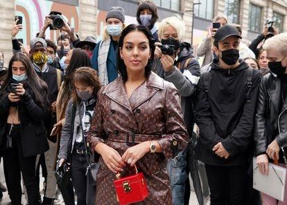 Georgina Rodríguez, a su llegada a un desfile de Louis Vuitton en París.