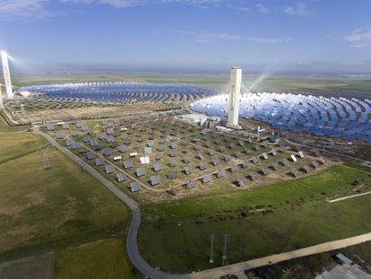 Planta solar de Abengoa en Sanlúcar la Mayor.