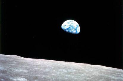 La Tierra, en una imagen tomada desde el 'Apolo 8', el 24 de diciembre de 1968.