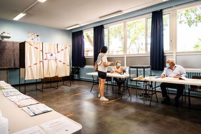Colegio electoral en Perpiñán (Francia), este pasado 20 de junio durante la primera vuelta de las elecciones regionales.