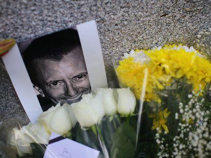 Una ofrenda en Polanco al restaurantero francés, Baptiste Lormand, asesinado en México.