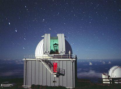 Los telescopios Jacobus Kapteyn (delante) e Isaac Newton (detrás) del Observatorio del Roque de los Muchachos en la isla de La Palma.