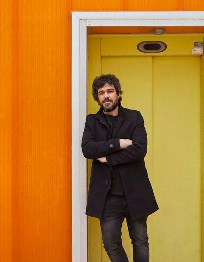 El dibujante Fran Ferriz, en el centro cultural Las Cigarreras (Alicante).