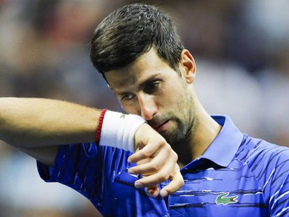 Novak Djokovic, durante el partido de octavos contra Stan Wawrinka, en el Open de EE UU en Nueva York.