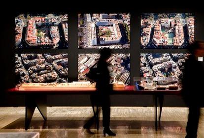 Detalle de la exposición sobre el Eixample de Barcelona.
