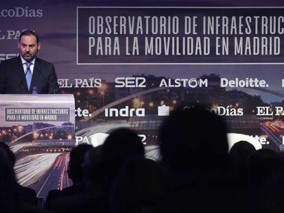 El ministro de Fomento, José Luis Ábalos, en el Observatorio de Infraestructuras para la Movilidad.