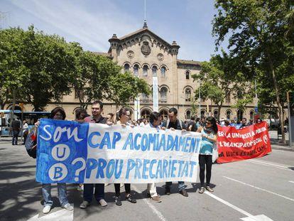 Protesta de los profesores asociados de la UB contra sus condiciones laborales.