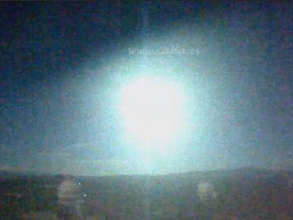 El bólido, que pasó por las provincias de Granada y Jaén en la noche de este domingo, procede de un asteroide