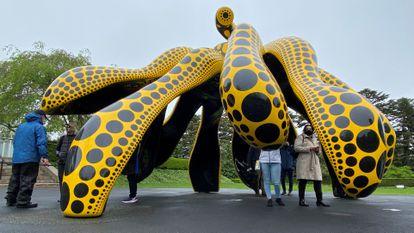 Pieza de la exposición 'Kusama: Naturaleza cósmica', expuesta hasta octubre en el Jardín Botánico de Nueva York.