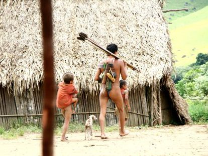 El poblado yanomami fue descubierto en 2008 y su ubicación no se ha revelado para respetar su mundo y protegerlos del exterior.