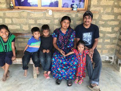 Simón Pedro Pérez, el activista indígena asesinado el pasado lunes, junto a su familia en Chiapas, México.