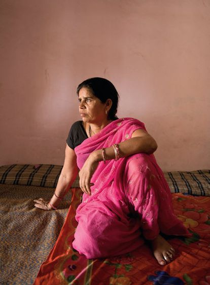 Sampat Pal, fundadora y jefa de una masa de casi cien mil mujeres dispuestas a pelear por sus derechos.