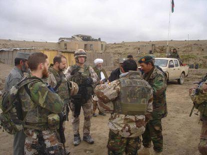 Amal, intérprete afgano, con las fuerzas armadas españolas en 2012.