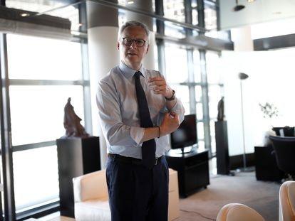 El ministro de Economía y Finanzas francés, Bruno Le Maire, en su despacho en París.