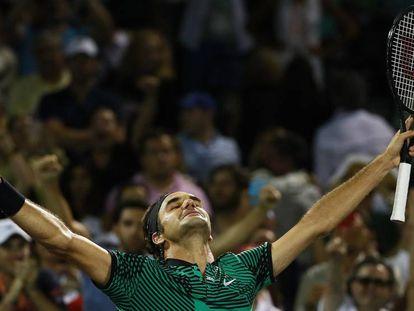 Federer celebra su triunfo frente a Kyrgios en las semifinales.