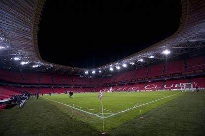 Vista del estadio de San Mamés desde el césped