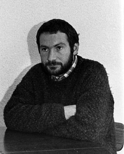 El escritor y miembro de ETA Joseba Sarrionandia, fotografiado un mes antes de su fuga.