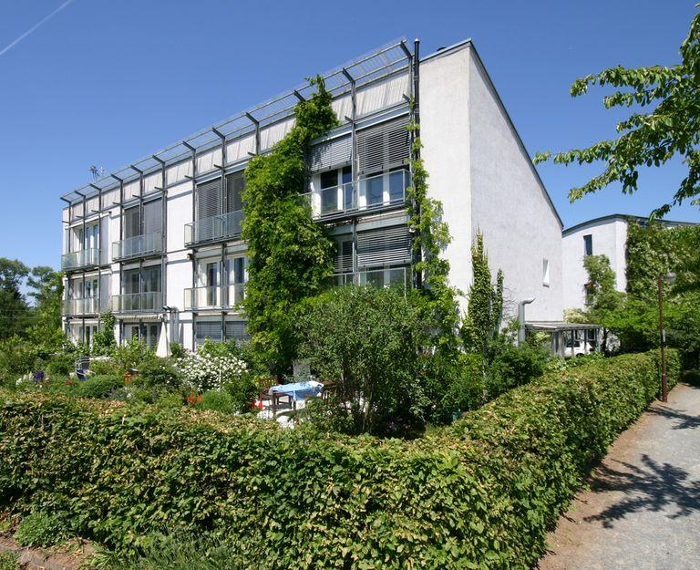 Primera vivienda pasiva construida por Wolfgang Feist en 1991 en Darmstadt, Alemania.