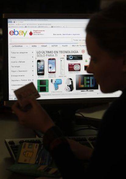Cada vez más personas compran por internet.