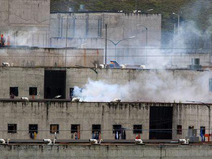Vista de la cárcel del El Turi este martes, en la ciudad de Cuenca (Ecuador).