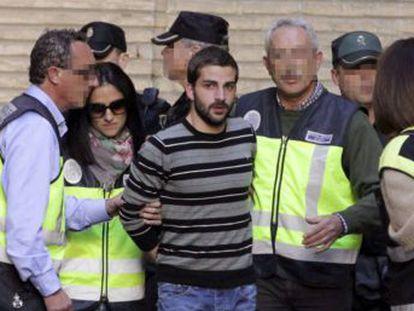 El magistrado investigará si el hermano del asesino confeso, Miguel Carcaño, participó en el crimen