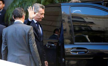 Mauricio Macri el martes, durante el velatorio en el Congreso del diputado oficialista Héctor Olivares.
