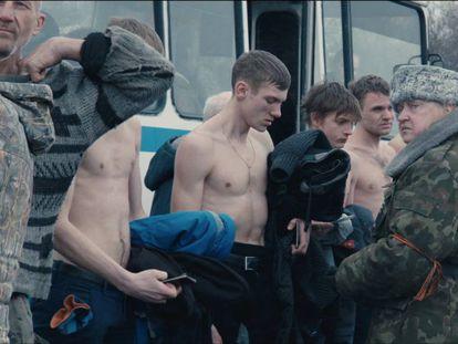 Fotogramas de la película 'Donbass', del cineasta ucraniano Sergei Loznitsa.
