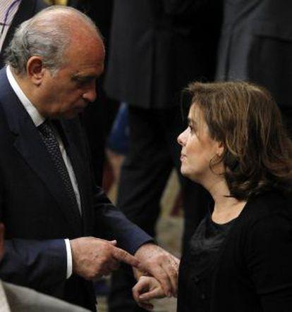 El ministro del Interior, Jorge Fernández Díaz, y la vicepresidenta Soraya Sáenz de Santamaría.