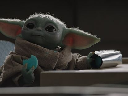 Baby Yoda, en un momento de la segunda temporada de 'The Mandalorian'.