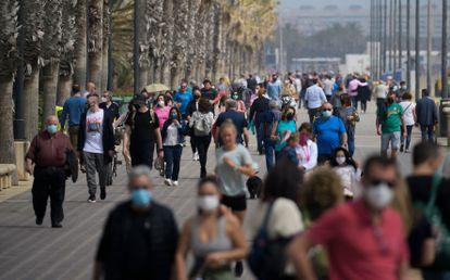 El paseo marítimo de Valencia este domingo.