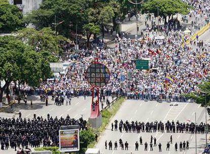 Cabeza de la manifestación de los opositores a la nueva ley de Educación aprobada por el Gobierno de Chávez en Venezuela