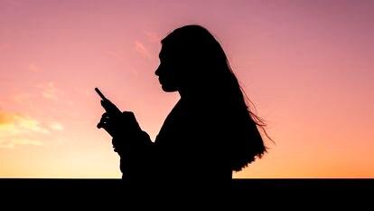 Recuperar contraseñas olvidadas o usar el móvil como lupa: cinco trucos tecnológicos que facilitan la vida