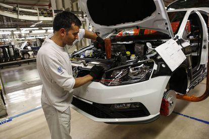 La cadena de montaje de la planta de Volkswagen en Landaben, Pamplona