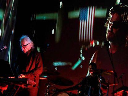 John Carpenter en concierto
