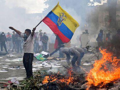 Un manifestante durante las protestas del pasado octubre en Ecuador.