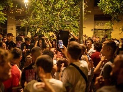 Un gran número de personas en las fiestas del barrio de Gràcia, el pasado 19 de agosto de 2021, en Barcelona