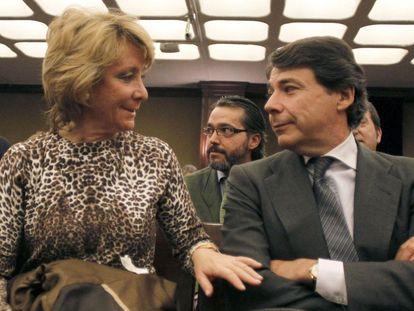 Esperanza Aguirre e Ignacio González, en un acto celebrado en 2012.