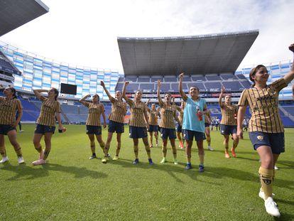 Las futbolistas de las Pumas, durante un partido de la Liga femenina de México.
