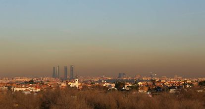 Madrid cubierta por una nube de contaminación el pasado 28 de diciembre.